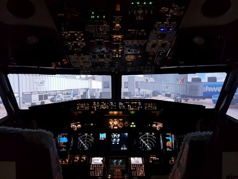 Symulator Boeinga 737-800 | Kokpit